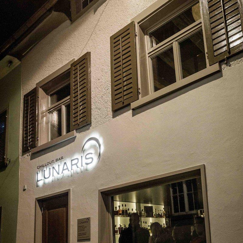 Bar Eingang