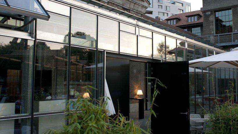 Terrasse und Glashaus