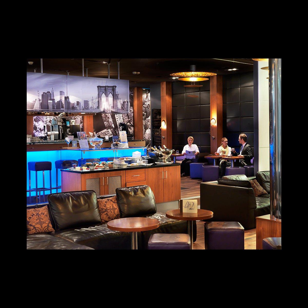 Bar & Lounge 42
