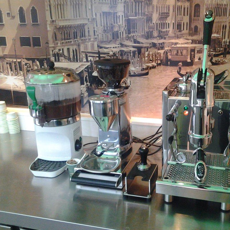 italienischer Espresso und Schokolade
