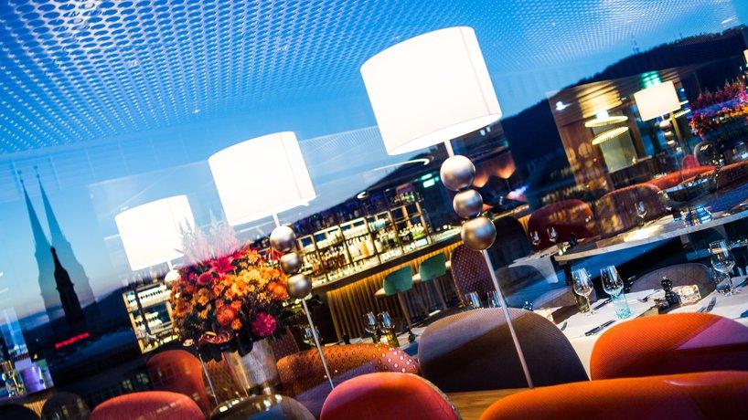 Reflektion Aussicht mit Ambiente von George Bar & Grill