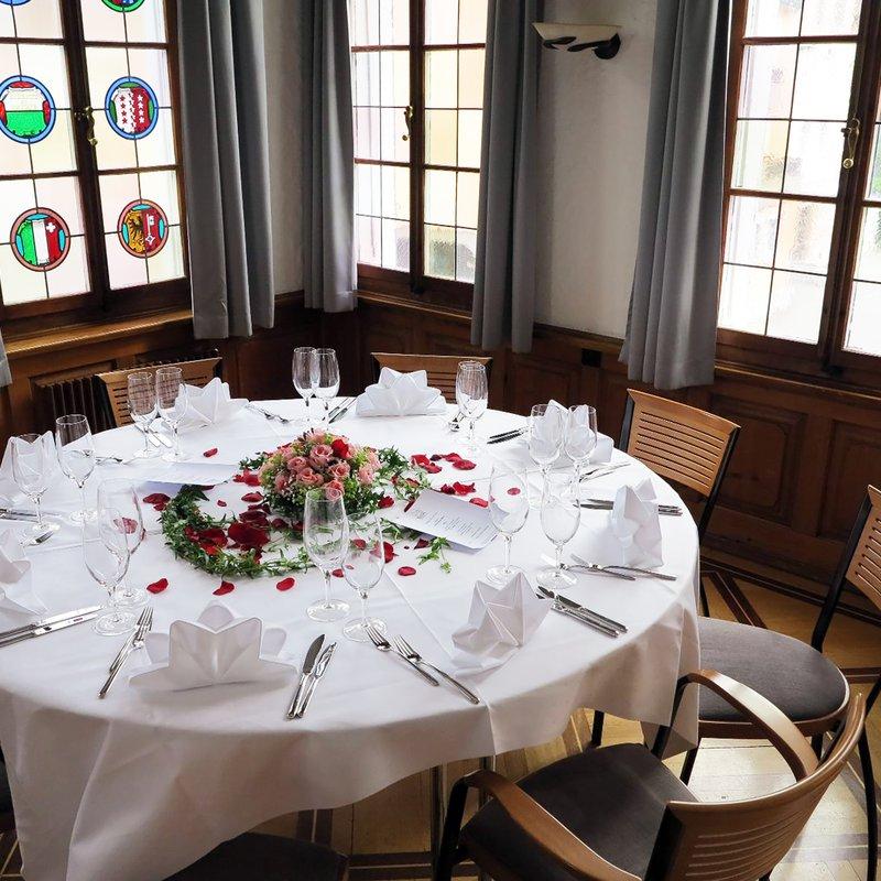 Saal Tisch