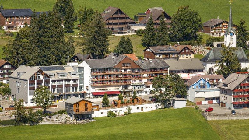 Hotel Hirschen Aussenansicht