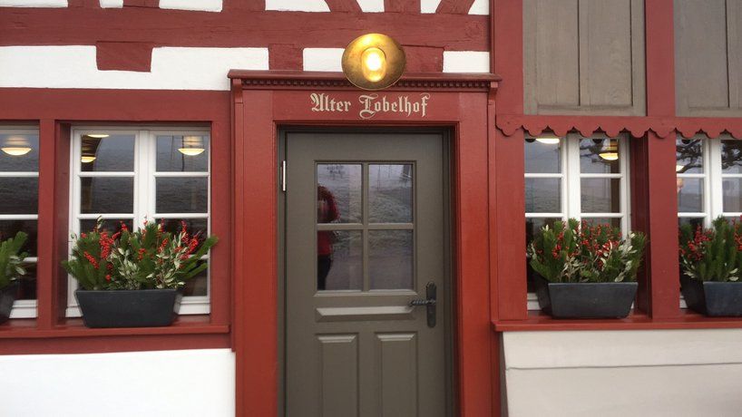 Eingangstüre Tobelhof