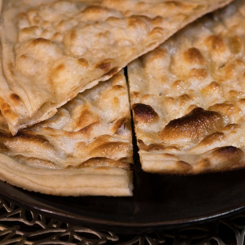 Spices Kitchen & Terrace: Naan