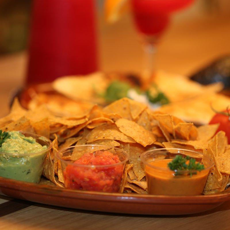 Chips & Margarita am Abend