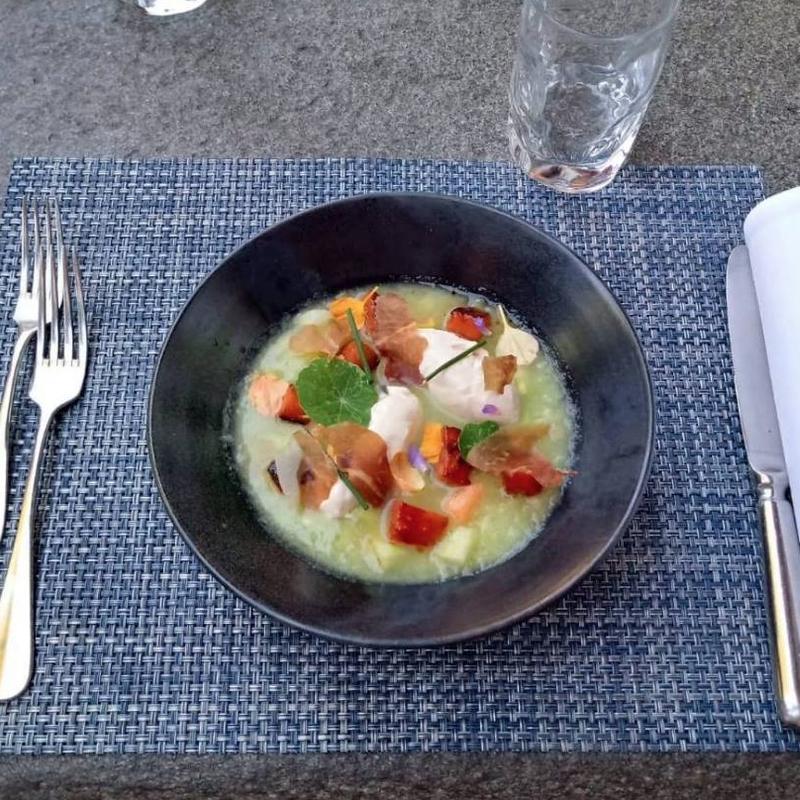Crema fredda di cocomeri, spuma di prosciutto nostrano(ch) e anguria arrostita
