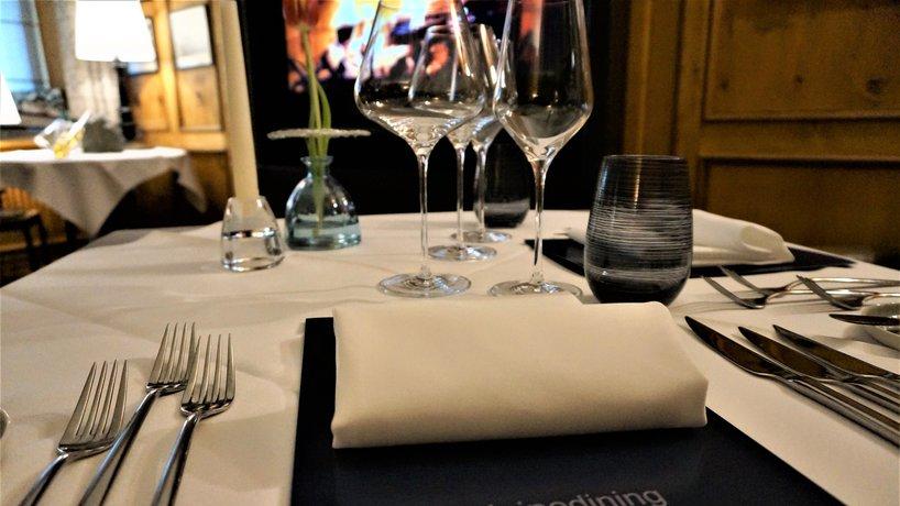 Die Tropaios Lounge gedeckter Tisch