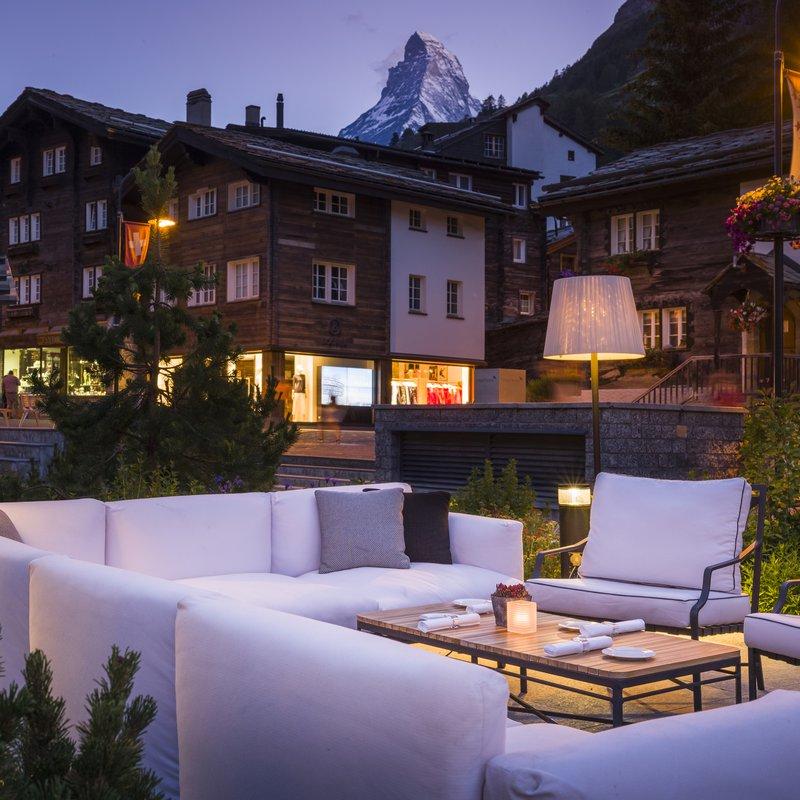 Grand Hotel Zermatterhof - Brasserie Lusi Lounge mit Matterhorn