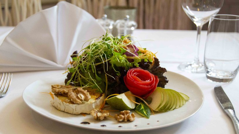 Ziegenkäse mit Salatbouquet