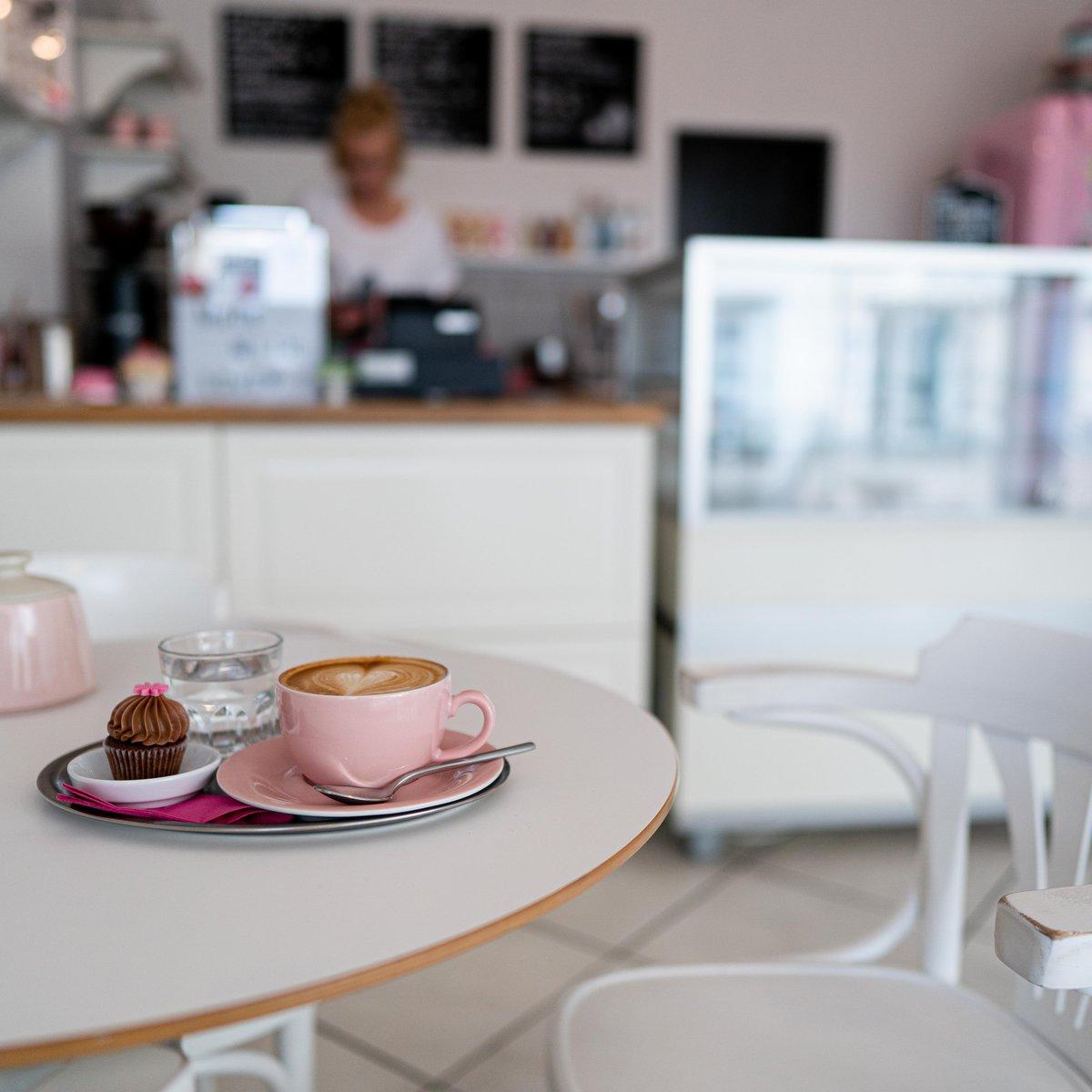 Kaffee und Mini Cupcake
