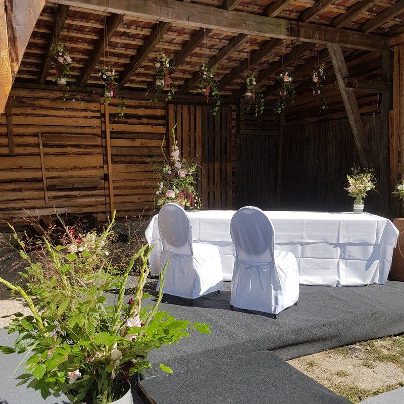 Hochzeit im Stall