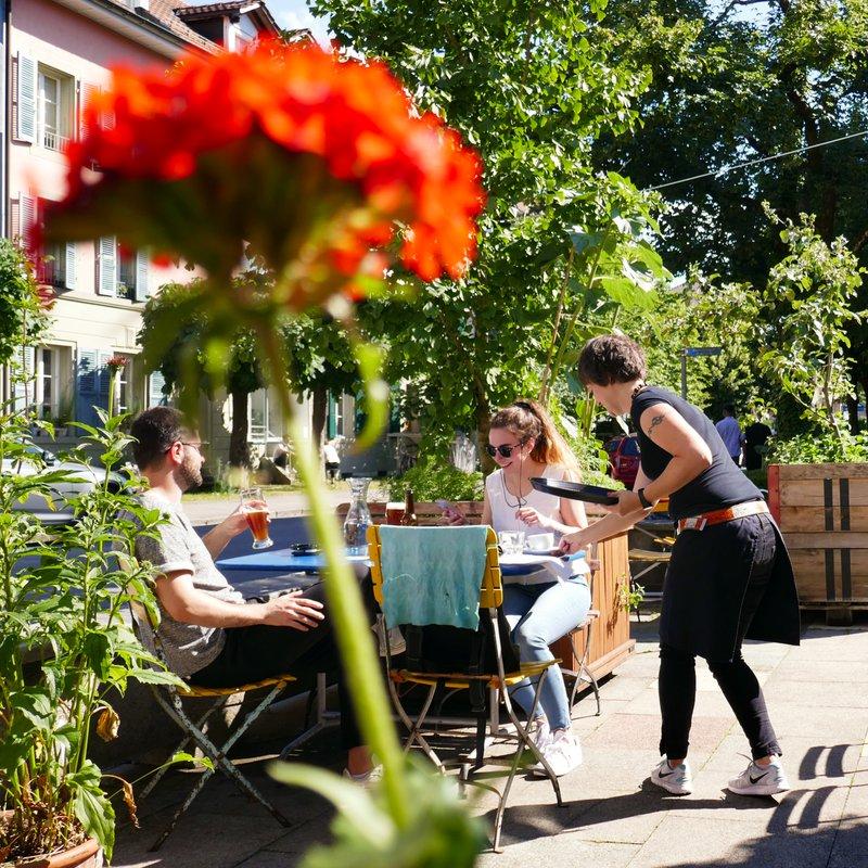 Unsere grüne Oase mitten im Berner Trendquartier - der Länggasse. Ein Begegungsort und Wohlfühloase.