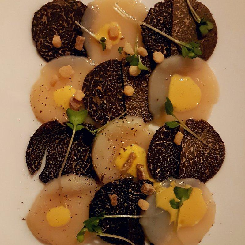 Carpaccio de St-Jacques & truffes