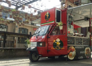 Charlie Brown Food-Truck