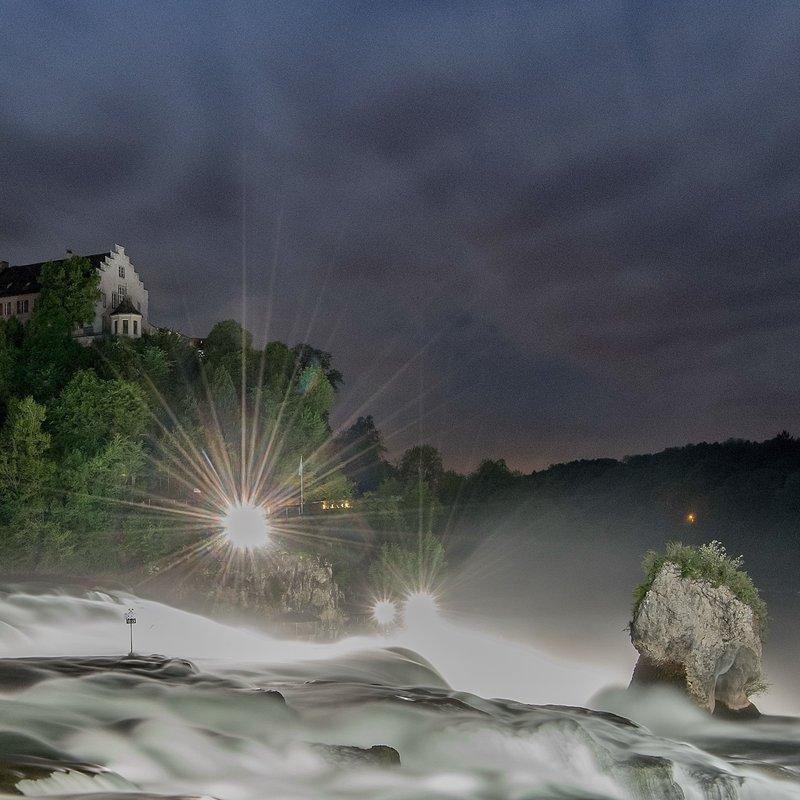 Rheinfall am Abend