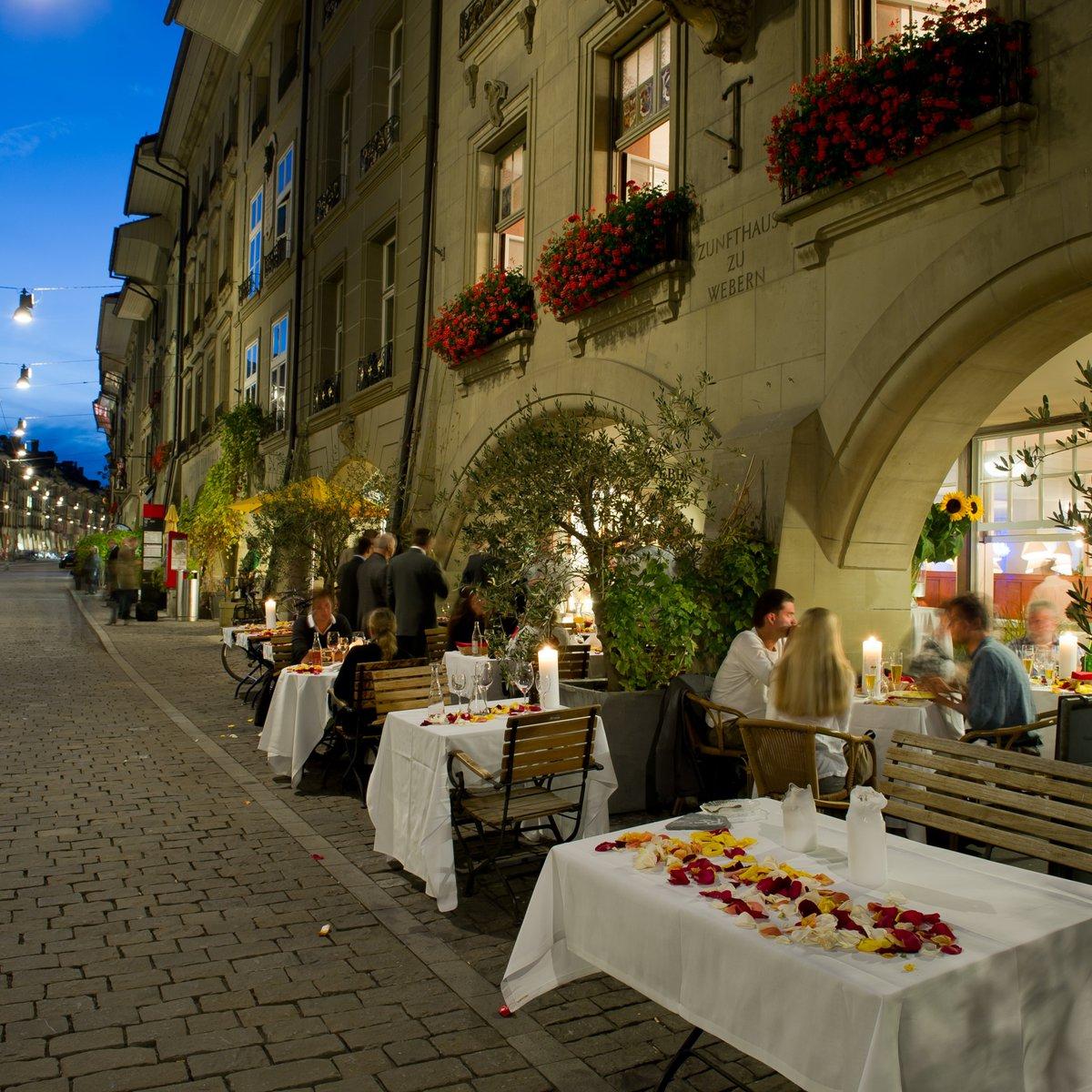 Die Restaurant-Terrasse und die Gerechtigkeitsgasse