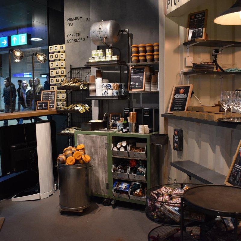 Negishi Oerlikon - Kaffeeecke