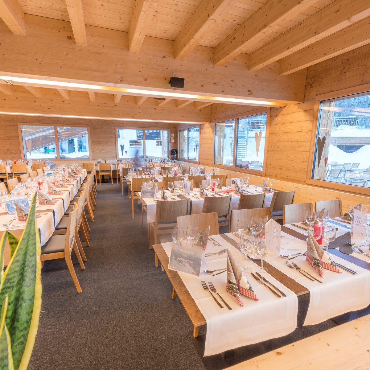 Bergrestaurant Hannigalp Innenansicht Erdgeschoss