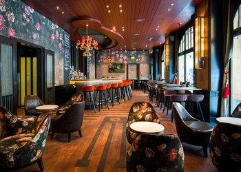 Carlton Bar