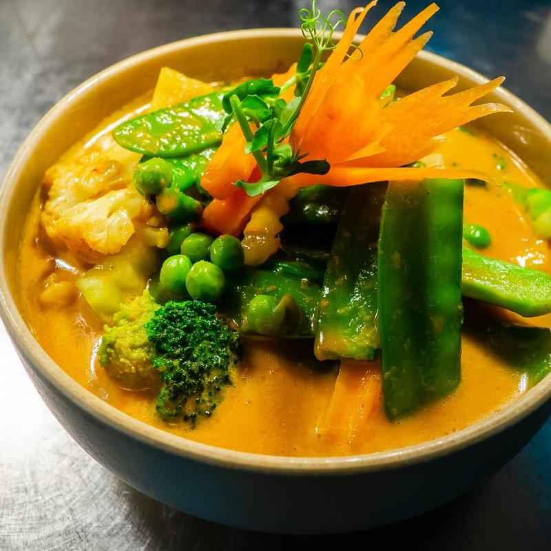 Gelbes Curry mit Gemüse