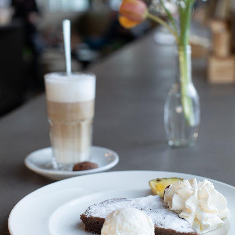 Kaffee und Kuchen_cr Riccardo Götz