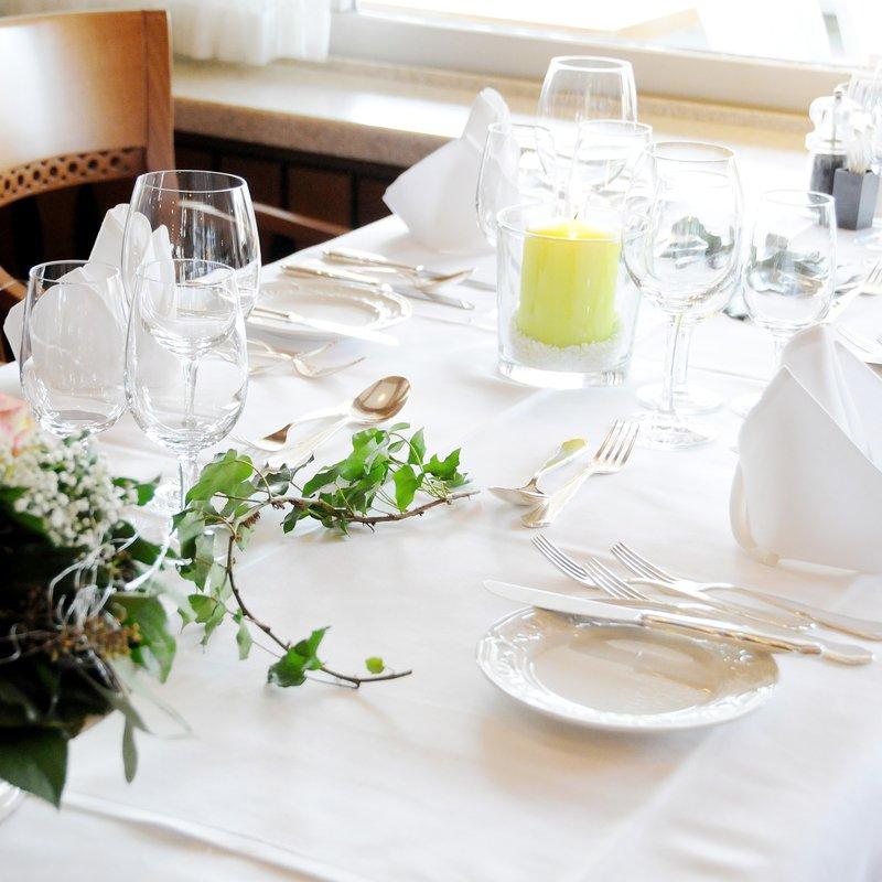 Tisch im Speisesaal