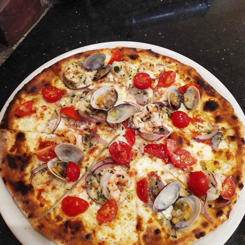 Pizza Vongole e Pomodorini