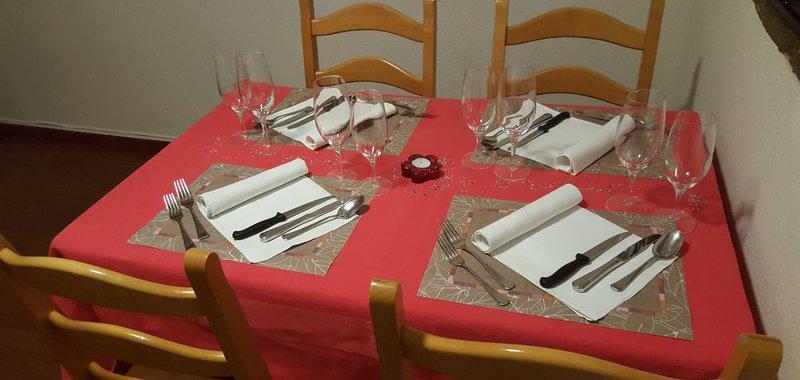 Tisch rot