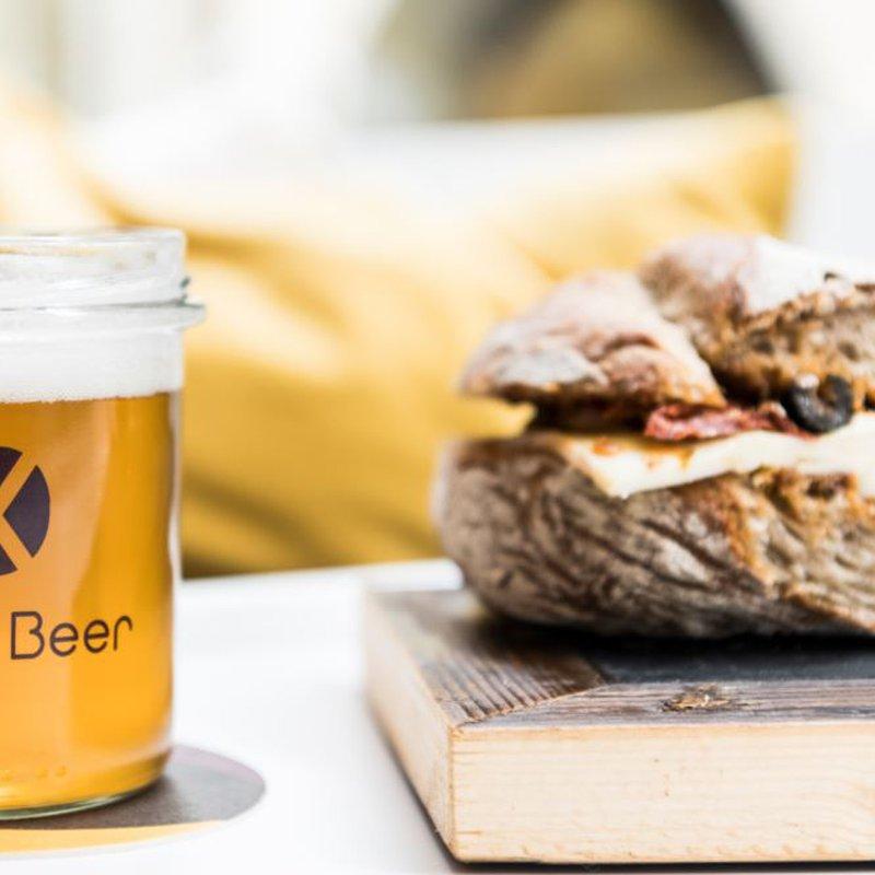 Bier und Sandwich