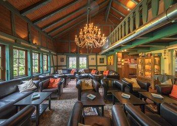 Casa Colonial Bar & AVO Lounge