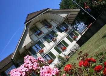 Zum Schloss Landshut