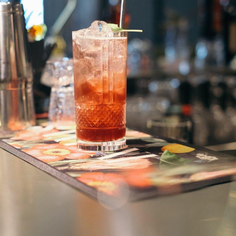 Santoni Bar