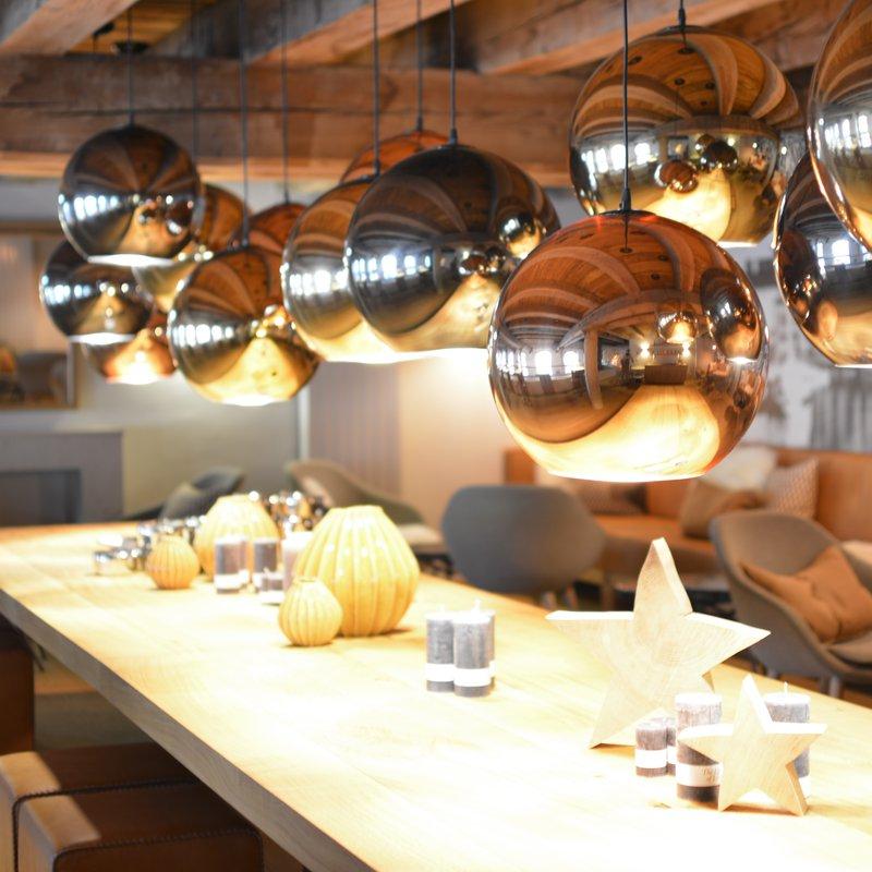 Langer Tisch - Kornkammer- Platz am Tisch für 24 Personen