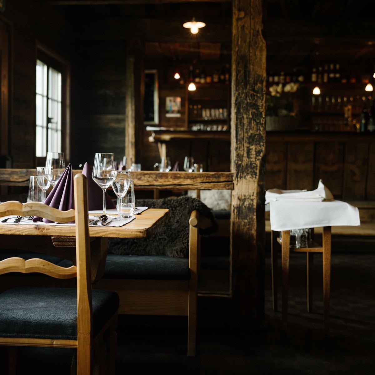 Sitzplatz in der Taverne