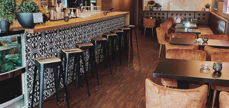 Dexter Café Bar Lounge Bild