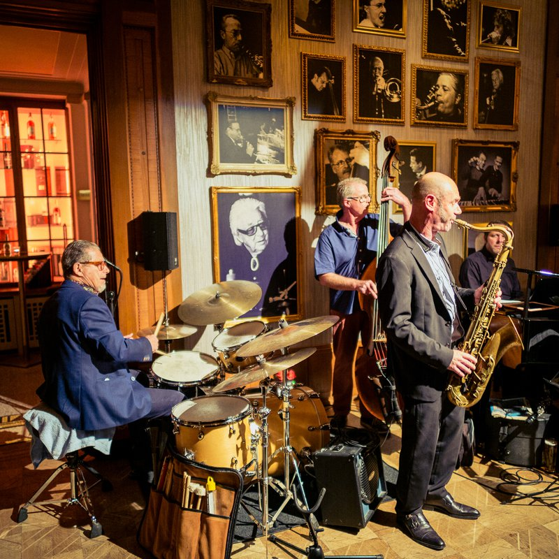 Louis Bar - Jam Session