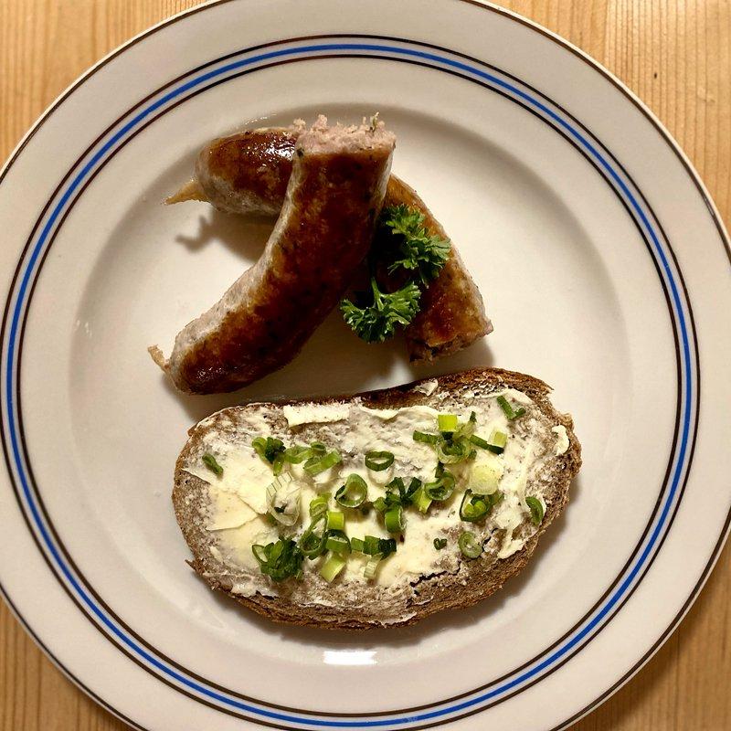 Schweinsbratwurst von der Duroc-Sau mit Anke-Brot