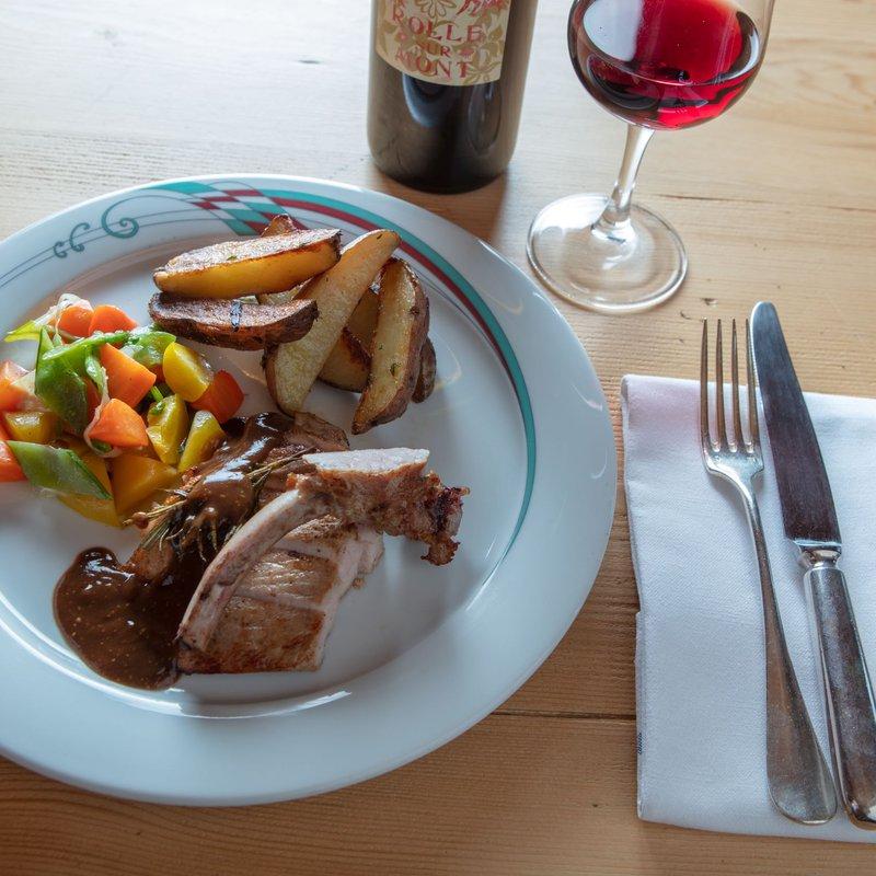 Côte du Cochon mitem Huus-Roota