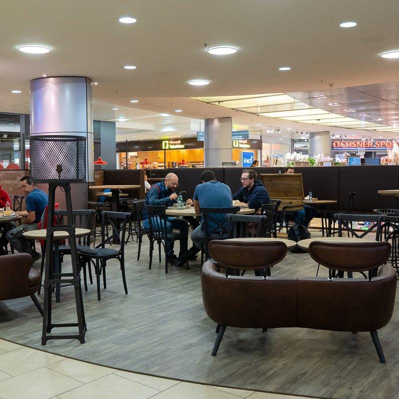 BRIX Lounge & Tische im Seedamm-Center