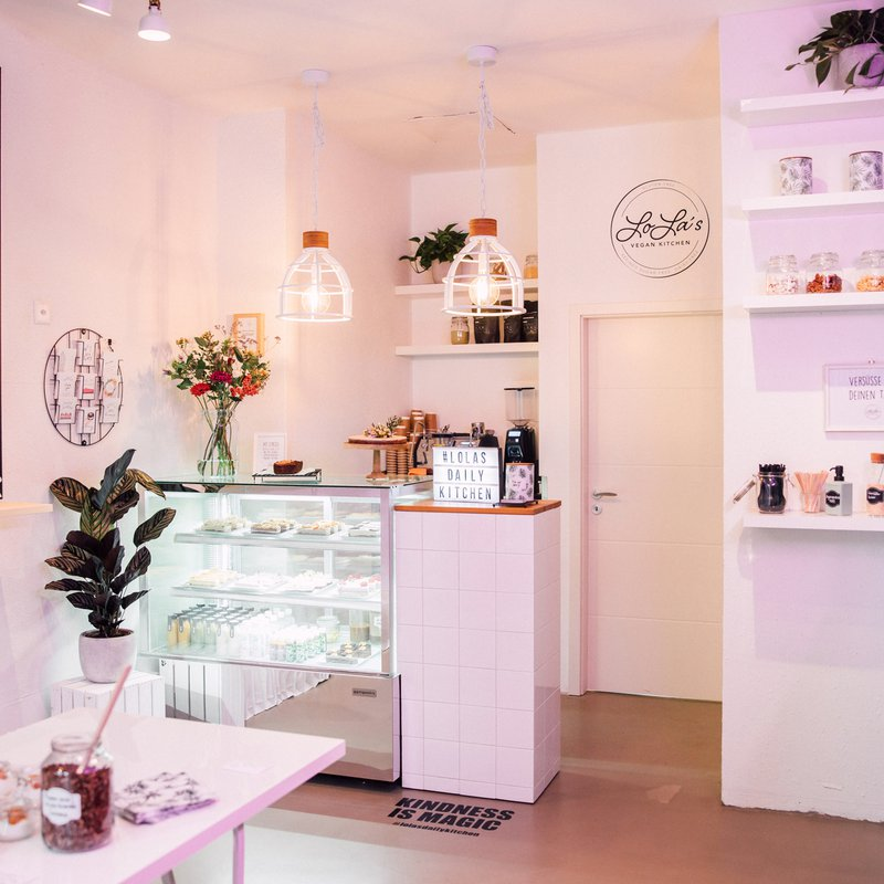 LoLa's Kitchen cake Shop