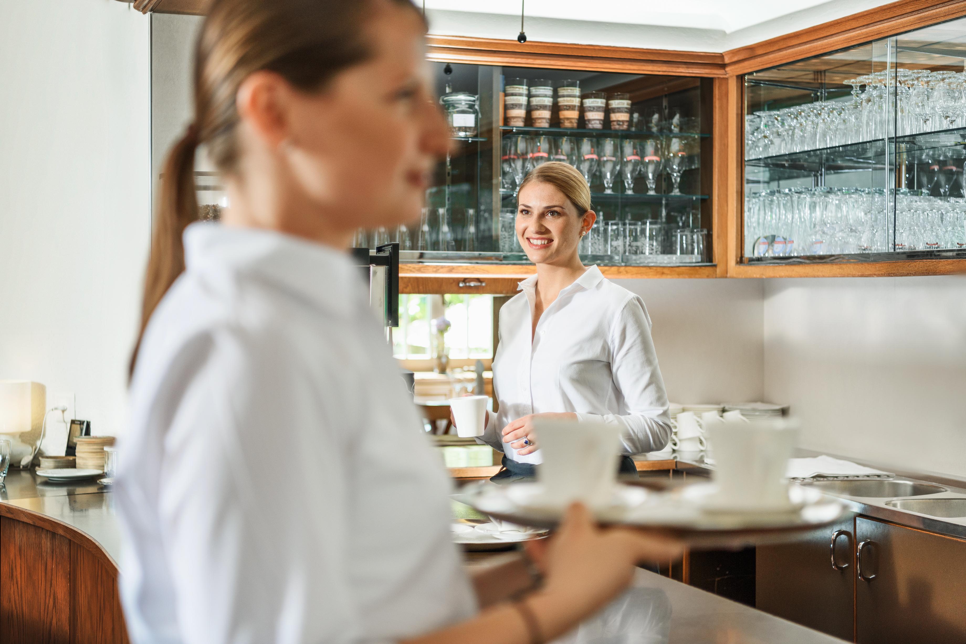 Serviceaushilfe im Stundenlohn ab sofort oder nach Vereinbarung